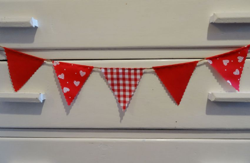 BUNTING Very Mini - Hearts & Spots, Red Gingham and Plain - 1 metre - Valentine Wedding Engagement